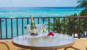 Champagner im Urlaub am Meer
